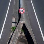 Mehrere Temposchilder ignoriert: Droht höheres Bußgeld?